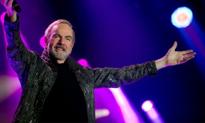 Grammy award winning artist Neil Diamond will perform on the Sunshine Coast in March 2018.